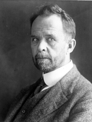 Cropped portrait of Thomas Hunt Morgan